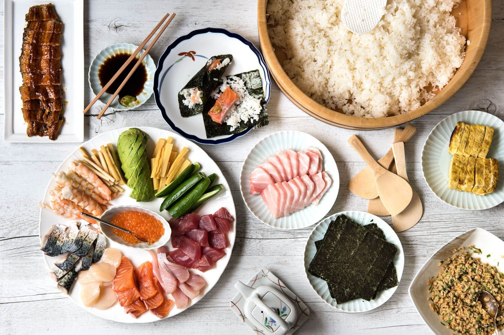 Home-made temakizushi (手巻き寿司) looks fancy but is very easy to prepare Cut the sushi fillings, display everything on the table and let the crowd serve themselves. It is fun and great for a little party with family and friends.