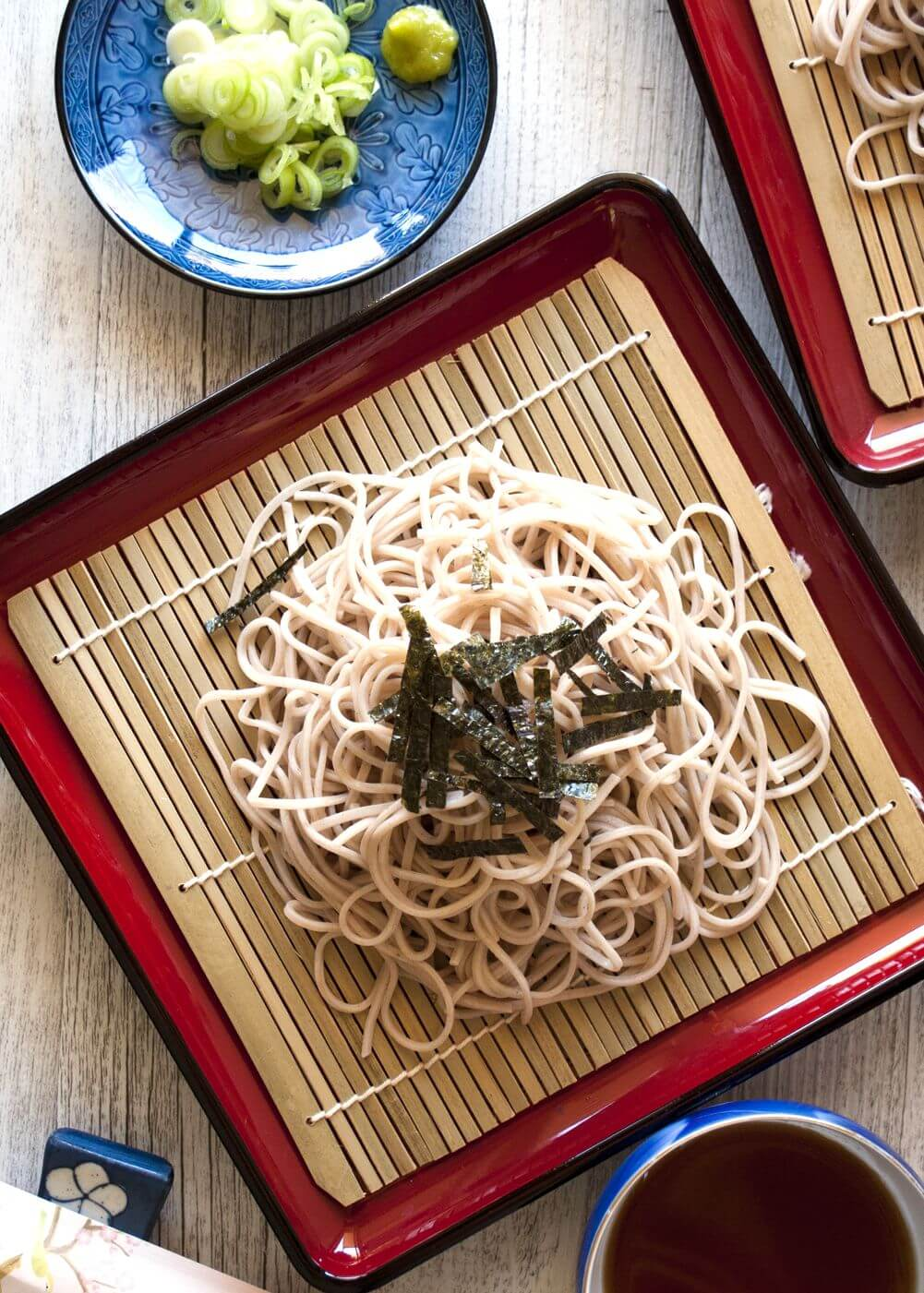 Zaru soba (cold soba noodles) is the best way to eat soba (buckwheat) noodles. Zaru soba is the simplest form of eating noodles and so fast to make. It is a popular summer dish in Japan of course but if you want to be like a connoisseur and enjoy the soba itself, then eat cold even in winter. Use konbu dashi to make it a perfect vegetarian dish.