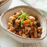 Gomoku-mame (五目豆, Simmered Soybeans with Vegetables) is a wonderful, healthy vegetarian dish. Soybeans are cooked with diced root vegetables in a sweet soy sauce flavour. It keeps well for several days in the fridge and you can freeze it, too.