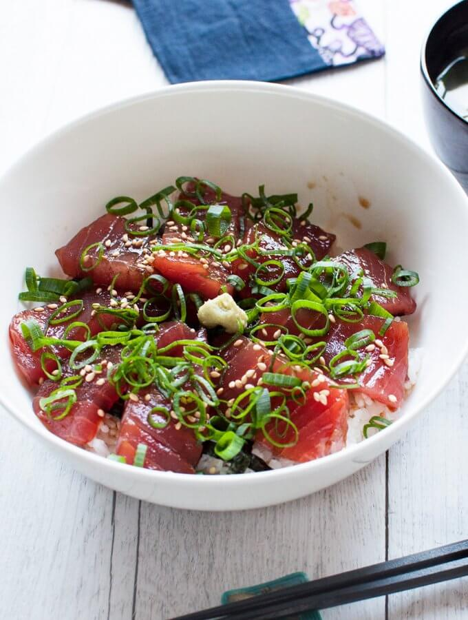 Maguro no Zuke-don (Marinated Tuna on Rice)