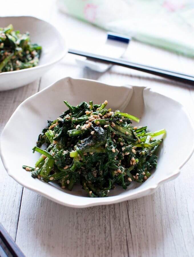 Chrysanthemum Leaves Goma-ae (Sweet Sesame Dressing)