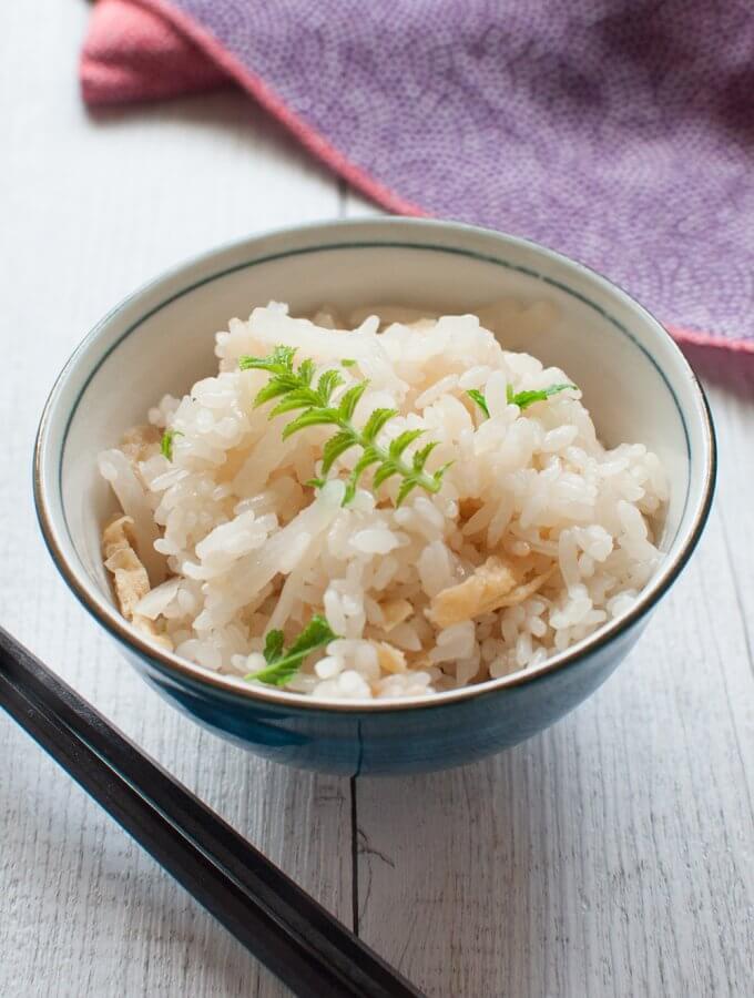 Rice with White Radish (Daikon Takikomi Gohan)