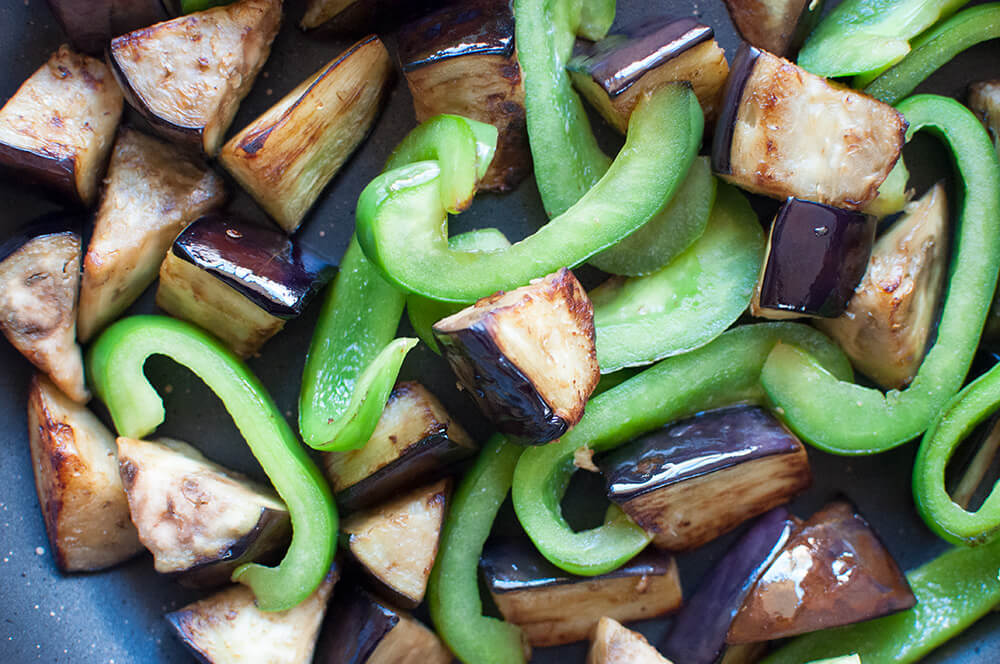 This is a quick side dish. Eggplant goes so well with miso and green capsicum adds bright colour to the dish. My recipe uses thinly sliced pork but you can make it without meat. Then it becomes a vegetarian dish.