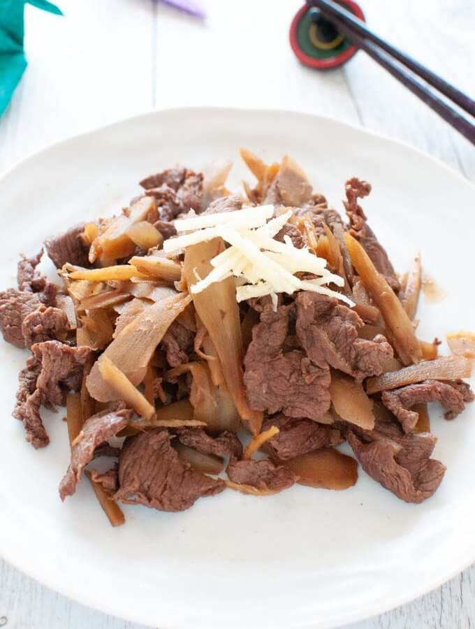 Braised Beef and Burdock with Ginger (Shigureni)