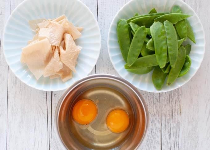 Ingredients of Japanese Style Scrambled Eggs (Tamago Toji).