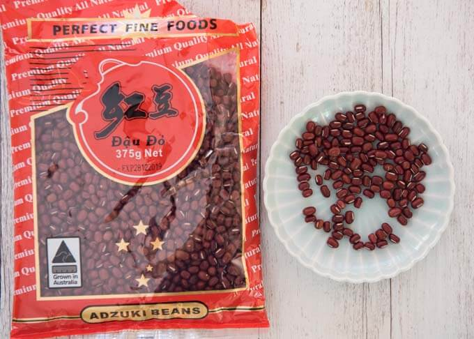Azuki beans in a pack and on a plate.