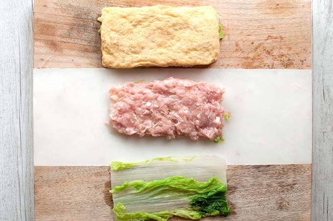 Step-by-step of Layered Chicken and Chinese Cabbage (Hakata-style Simmered Cabbage).