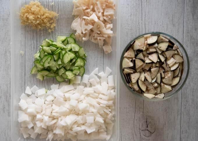 Vegetabe ingredients of Fukujinzuke.